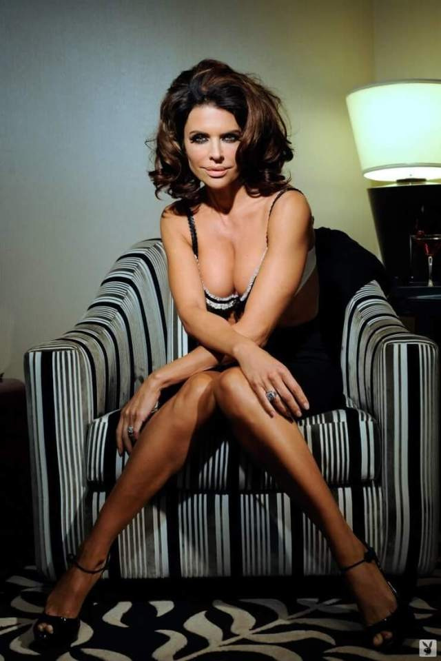 Lisa Rinna sexy photos