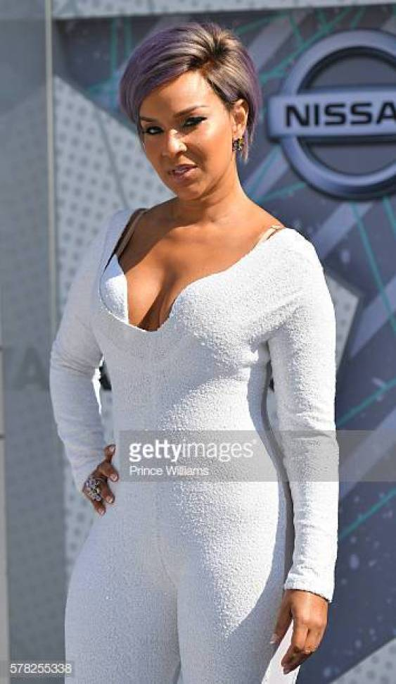 LisaRaye McCoy hot busty pictures (2)