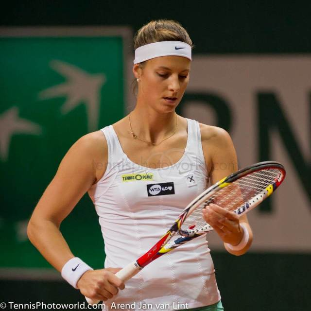 Mandy Minella hot cleavages pic