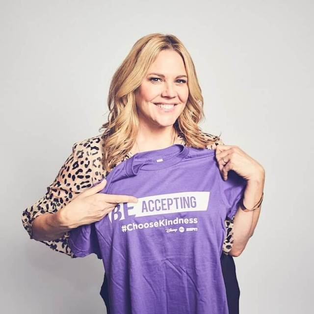 Mary McCormack hot pic (3)
