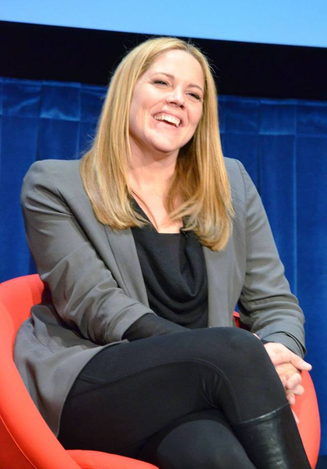 Mary McCormack hot pictures (2)