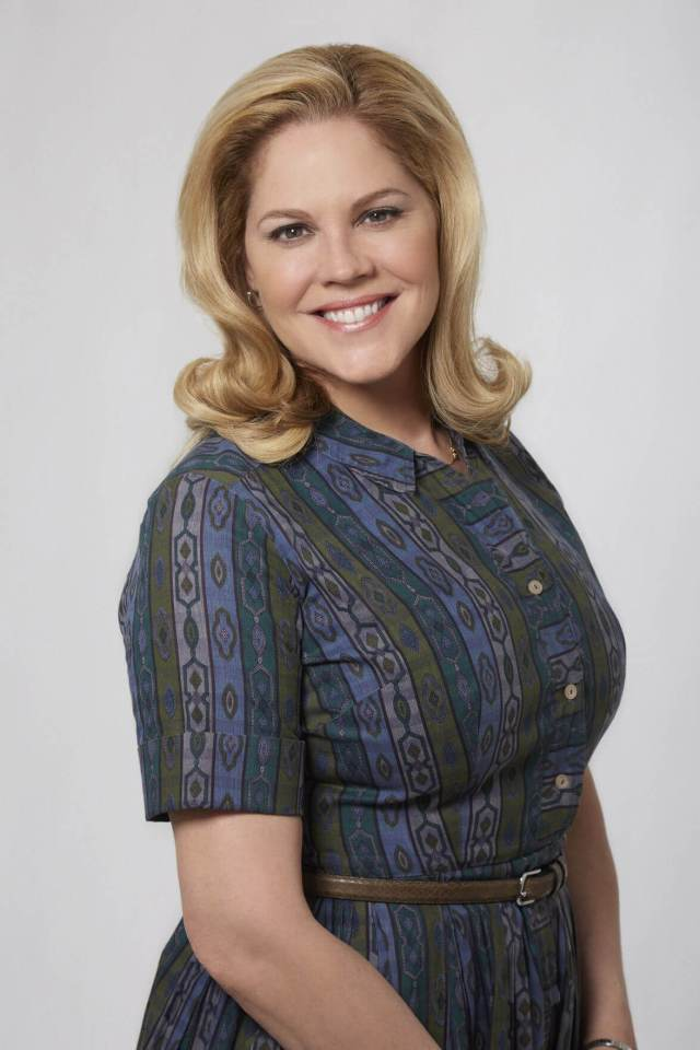 Mary McCormack hot side pic