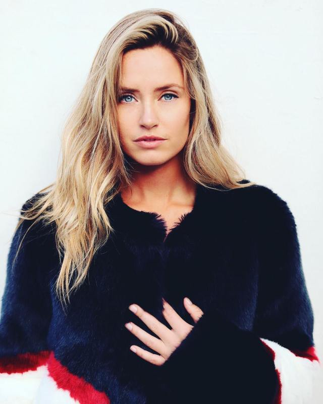 Merritt Patterson very sexy picture