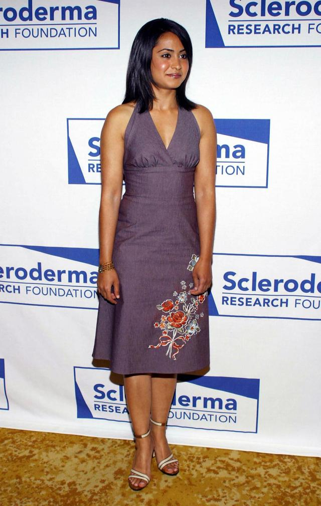 Parminder Nagra cleavages sexy