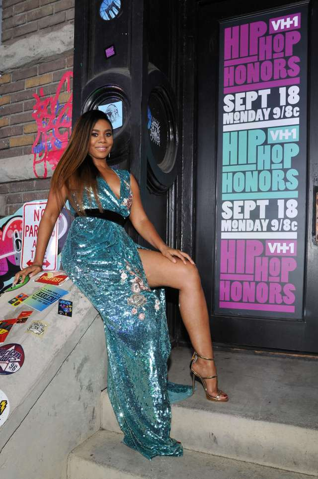 Regina Hall thigh photo