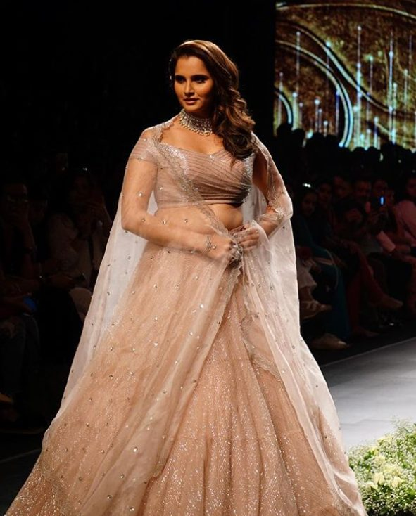 Sania Mirza too sexy picture