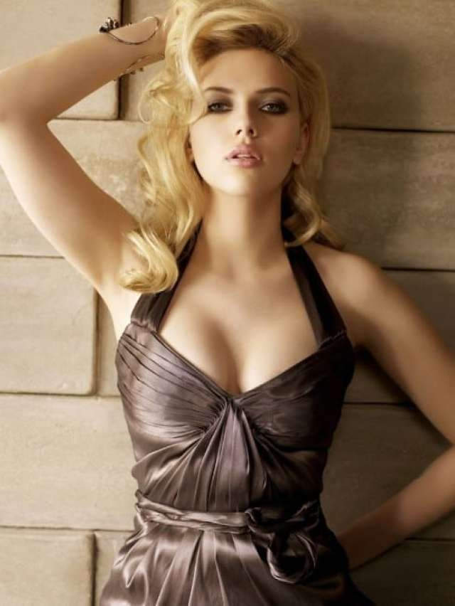 Scarlett Johansson sexy and hot pic