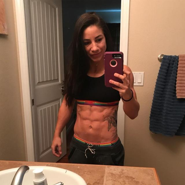 Tecia Torres sexy lady picture