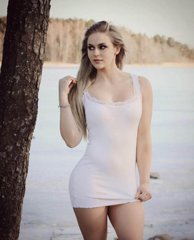 anna nystrom sexy thighs