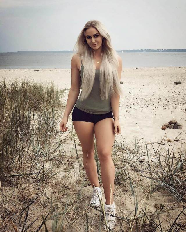 anna nystrom thighs photo