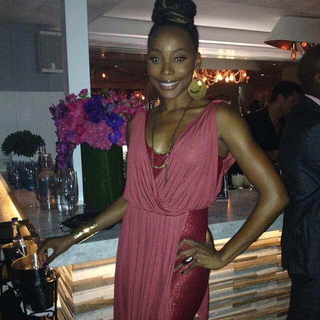 erica ash cleavage