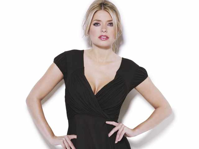 holly Willoughby damm hot