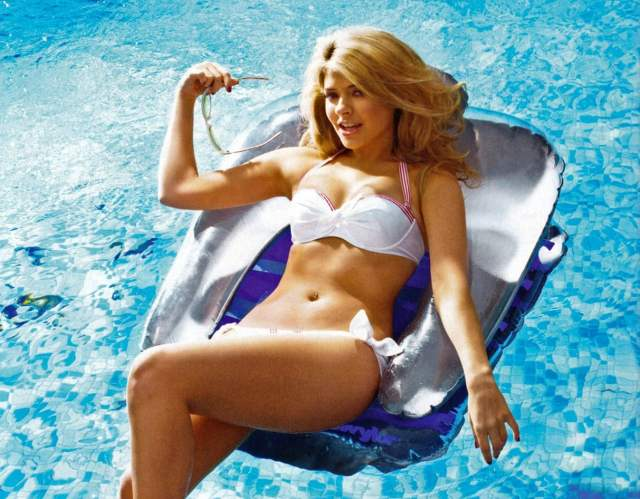 holly Willoughby sexy women picture
