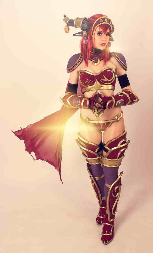 Alexstrasza sexy cleavages pic