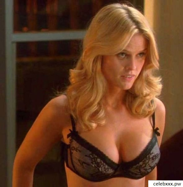 Alice Eve Sexy Big Boobs Pictures