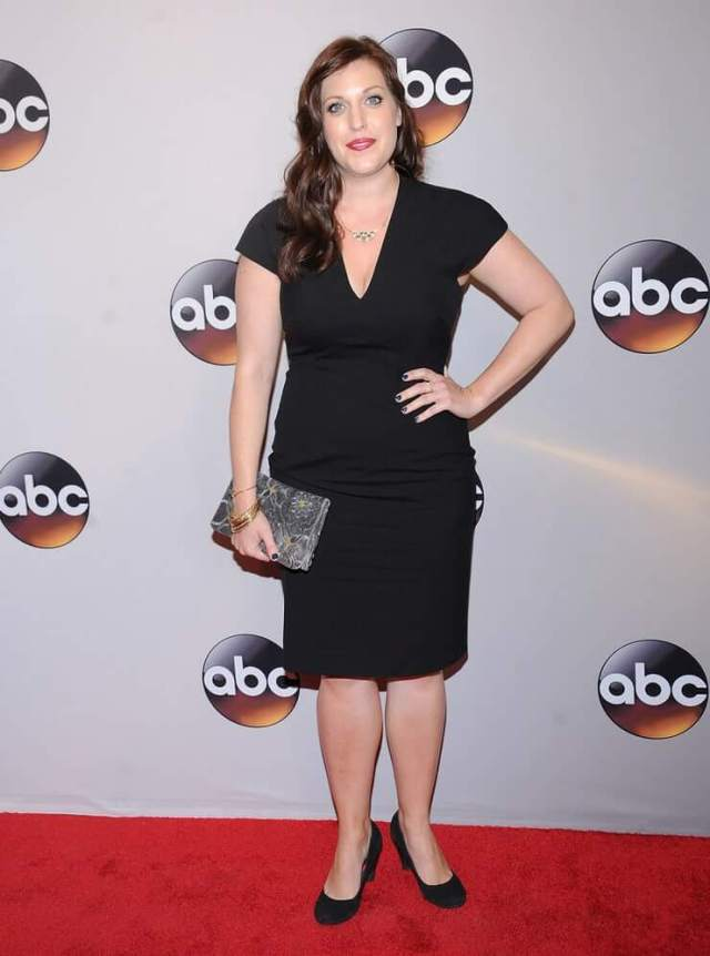 Allison Tolman hot feet (2)