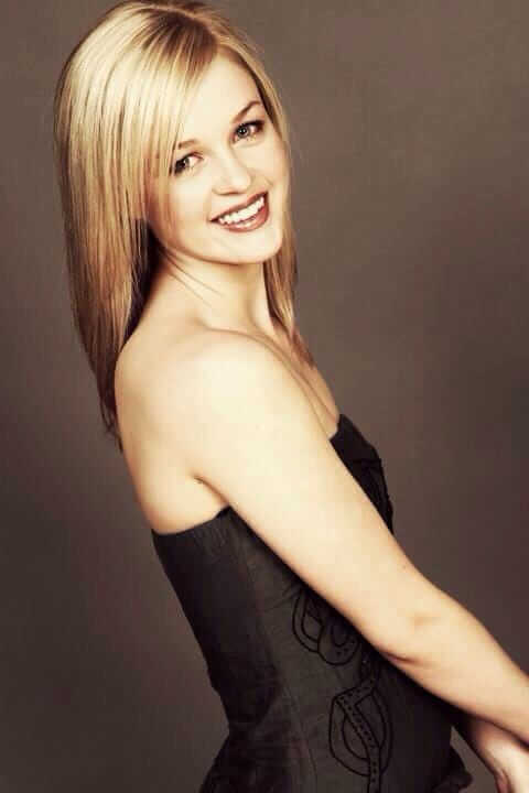 Ambyr Childers hot side pcitures