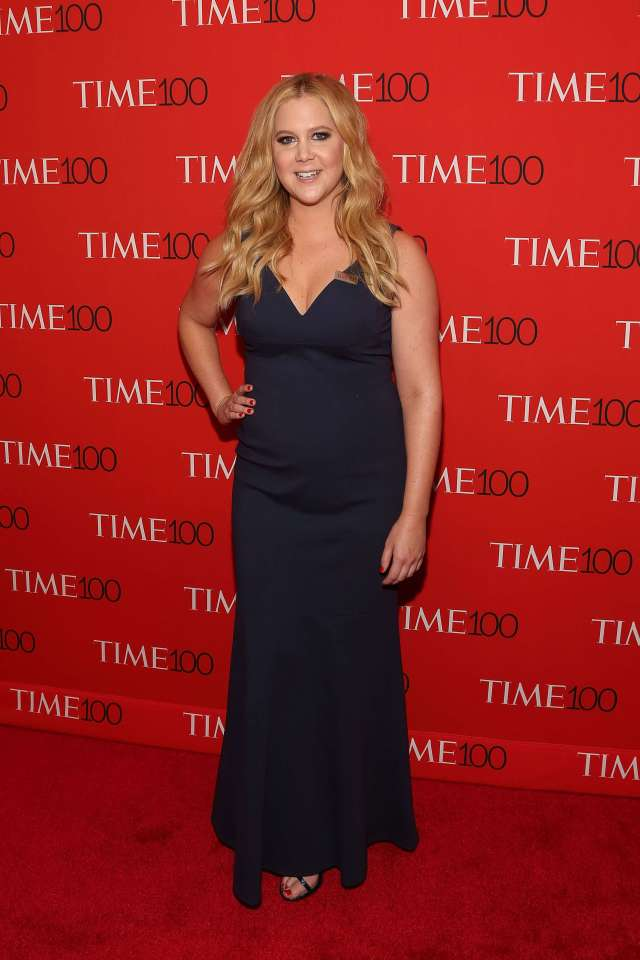 Amy-Schumer awesome black dress