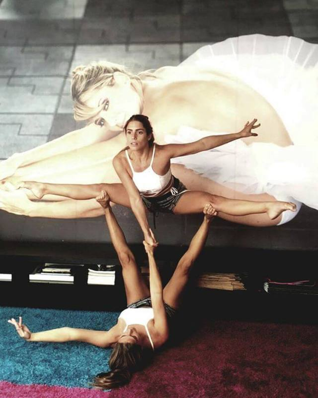 Bia & Branca Feres awesome