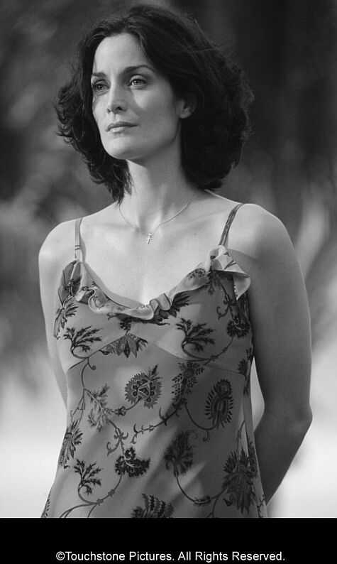 Carrie Anne Moss Photoshoot Photo