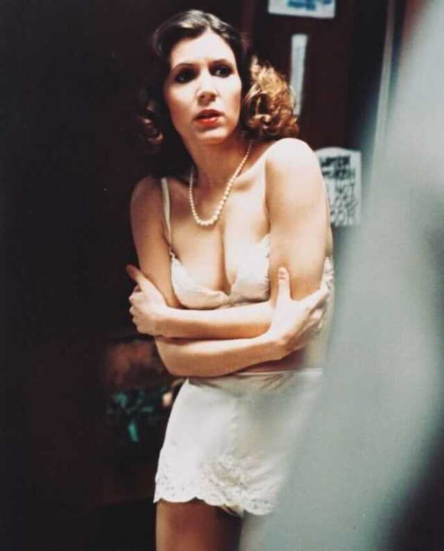 Carrie Fisher SEXY CLEAVAGE PIC