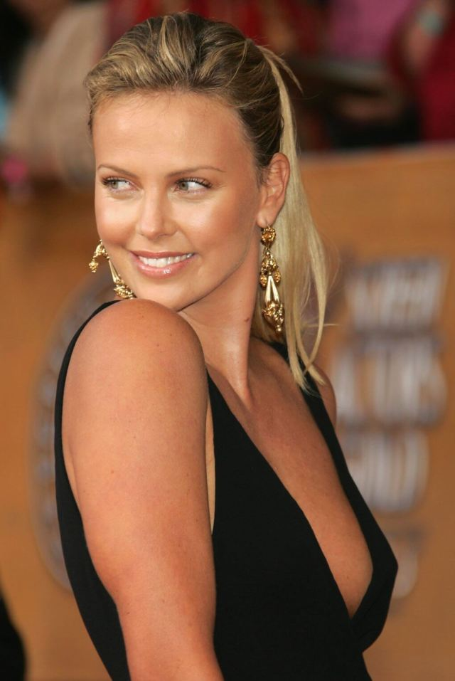Charlize Theron smile pic