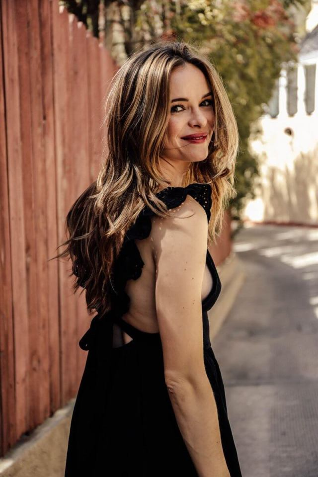 Danielle Panabaker hqairs pic