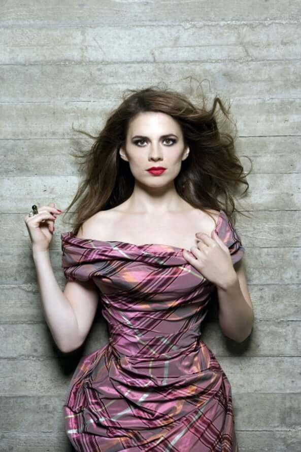 Hayley Atwell hot cleavagespicture