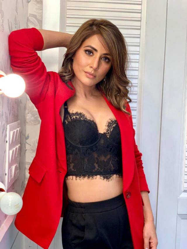 Hina Khan sexy pictures