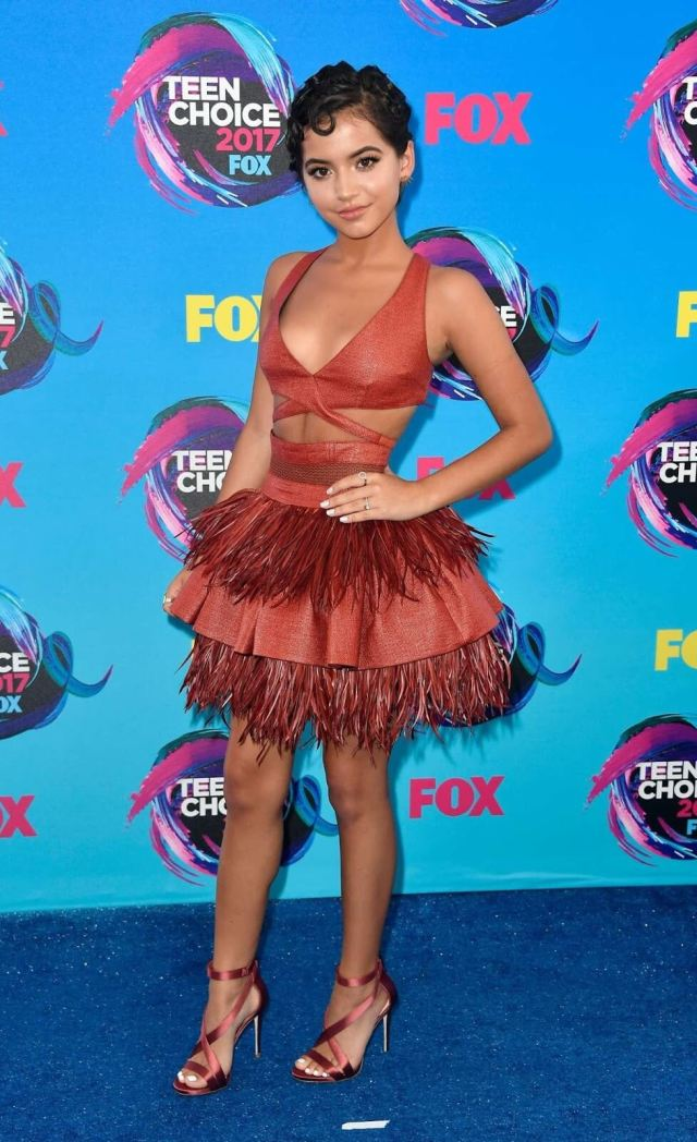 Isabela Moner awesome look