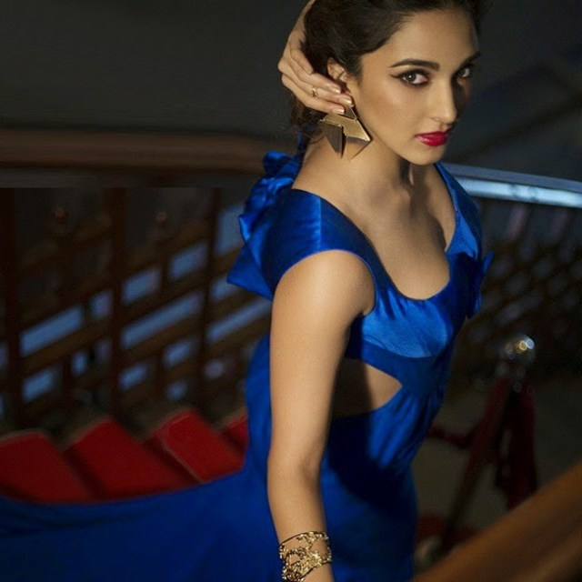 Kiara Advani Sexy Boobs Pics on Saree