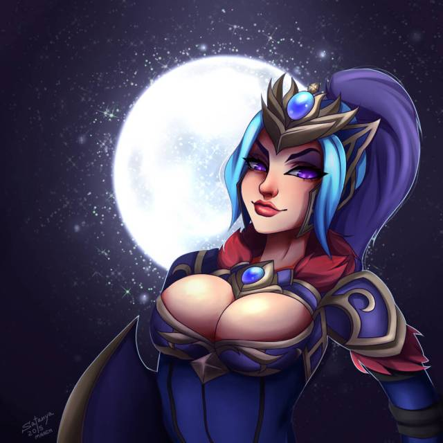 Luna Moonrider awesome cleavage