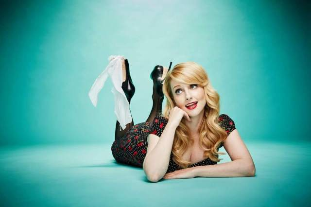 Melissa Rauch awesome pciture (3)