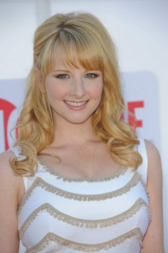 Melissa Rauch hot busty picture (2)