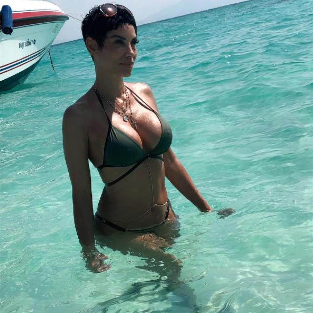 Nicole Murphy too sexy picture