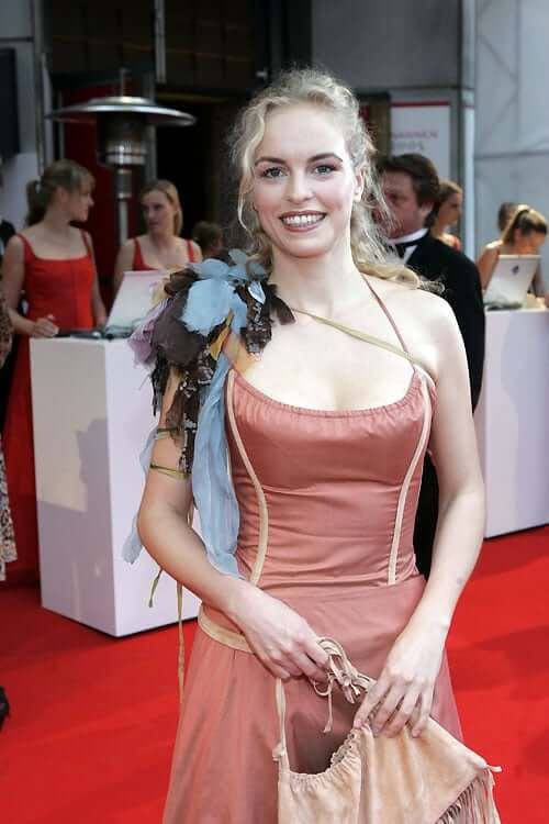 Nina Hoss sexy cleavages
