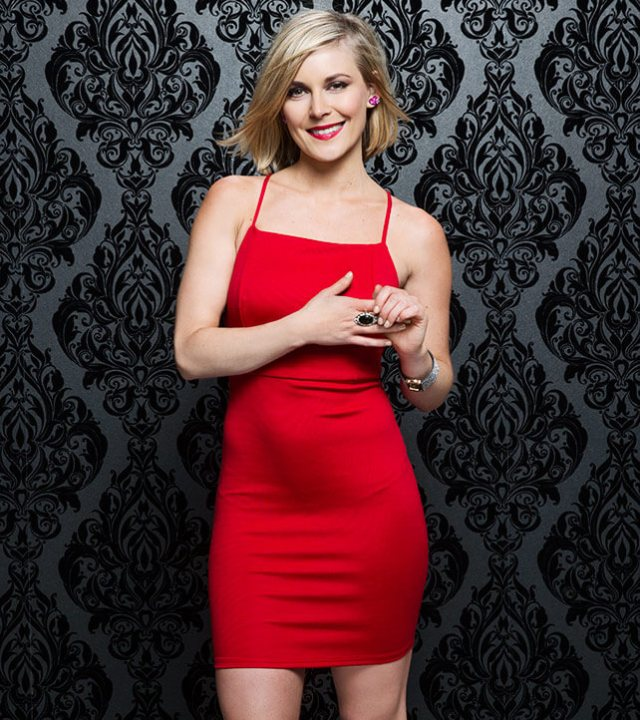 Renee Young hot pic