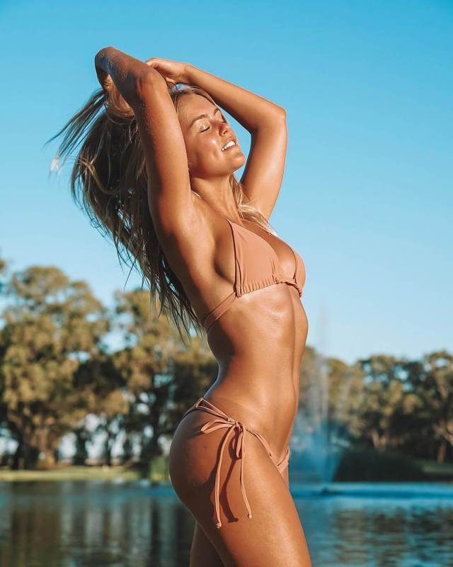 STEPH CLAIRE SMITH hot side pcis