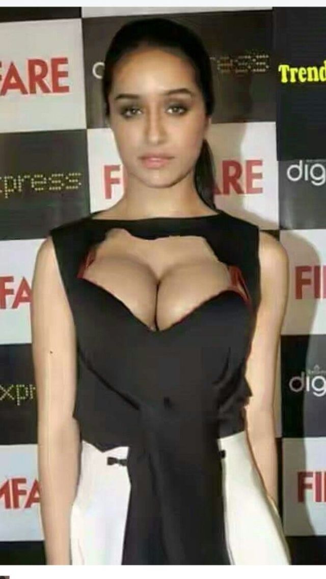 Shraddha Kapoor Sexy Boobs Pictures
