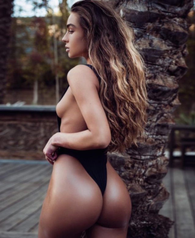 Sommer Ray Sexy Side Boobs Picstures
