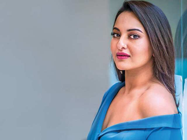 Sonakshi Sinha Sexy Boobs Pics on Blue Dress