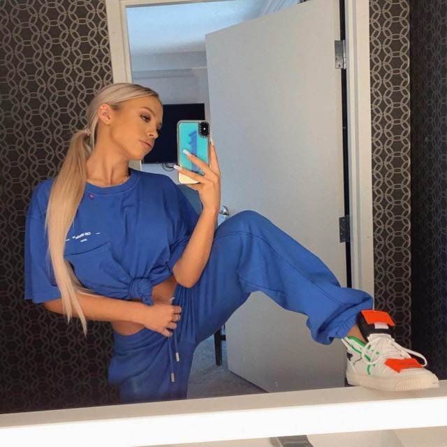 Tammy Hembrow hot pictures