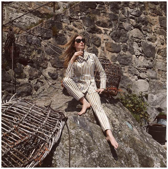 Tania Mallet awesome (2)