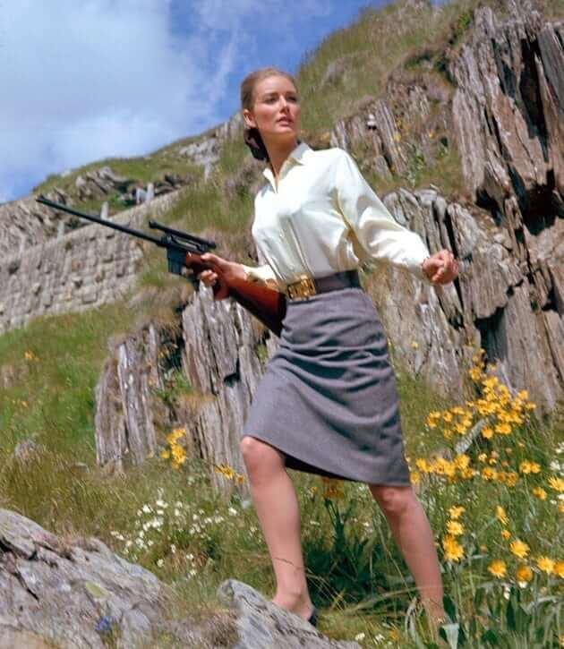 Tania Mallet hot look pic