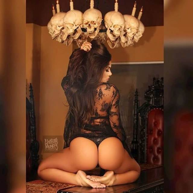 Toochi Kash butt awesome