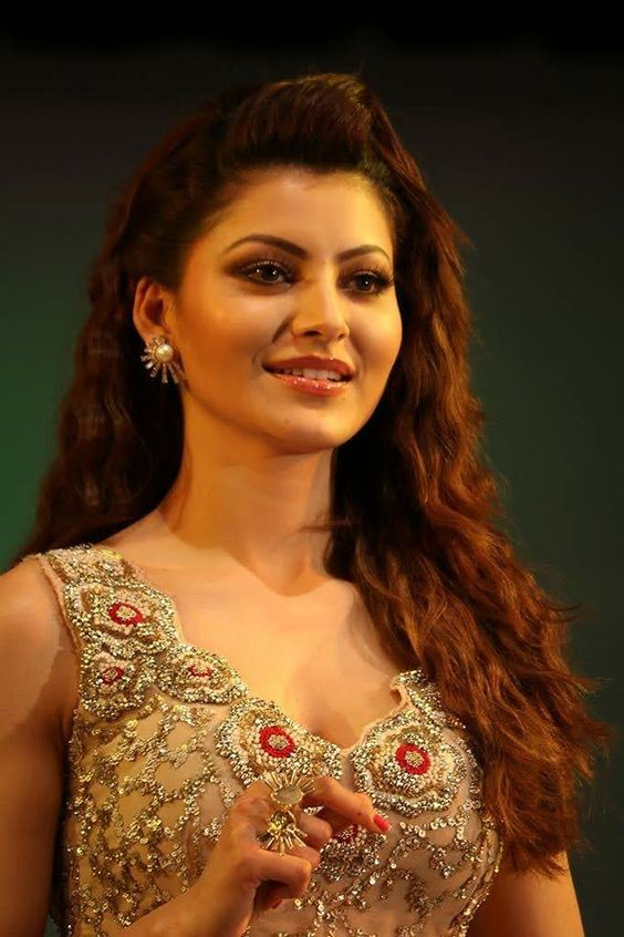Urvashi Rautela Beautifull