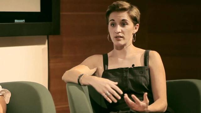 Vicky McClure sexy cleavage pciture