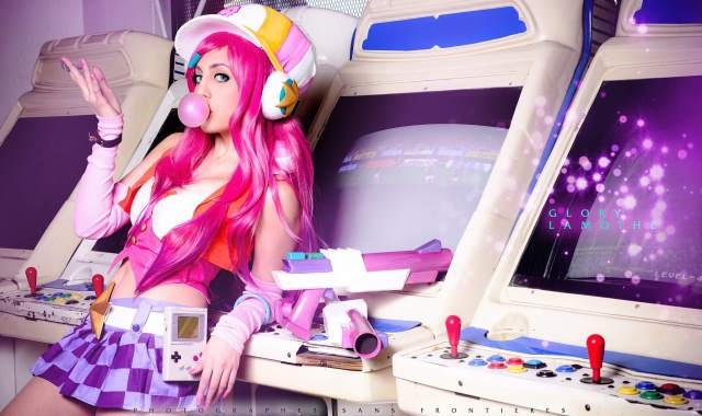 arcade miss fortune too hot