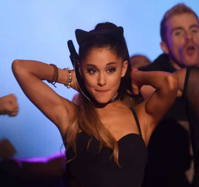 ariana grande awesome
