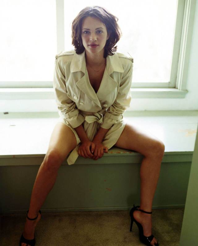 asia argento thighs photo